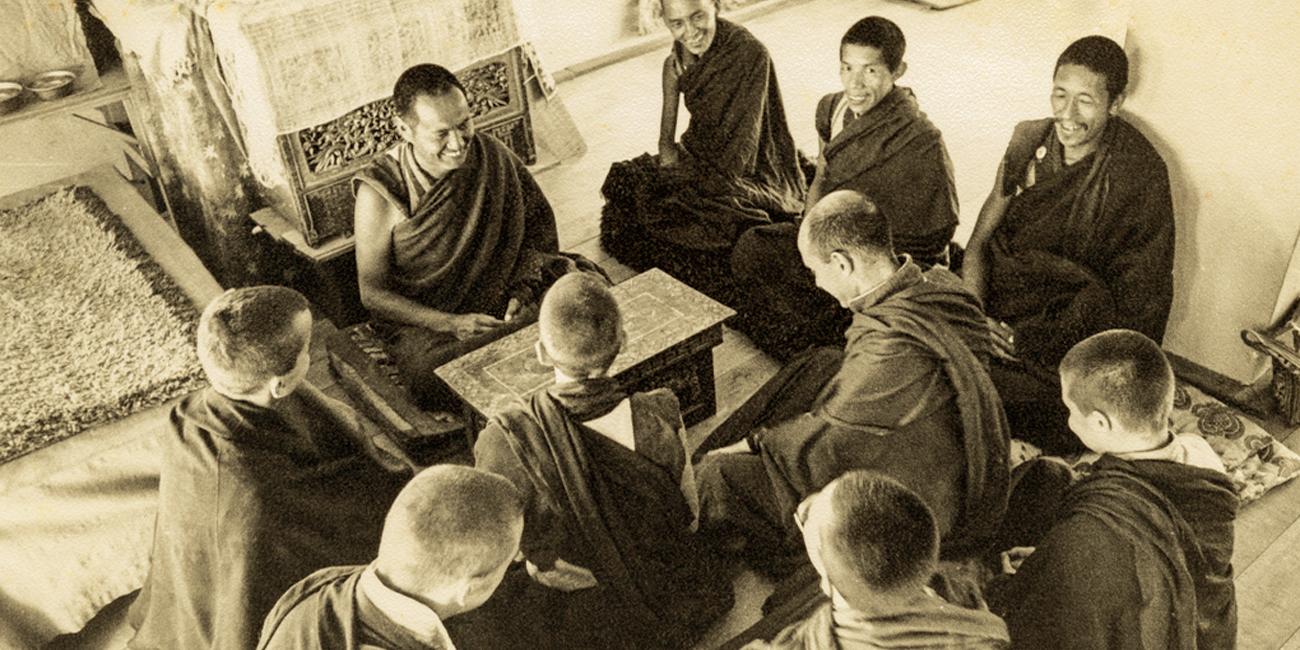 monastere-dorje-pamo-lavaur-france-lama-yeshe-kopan-1974