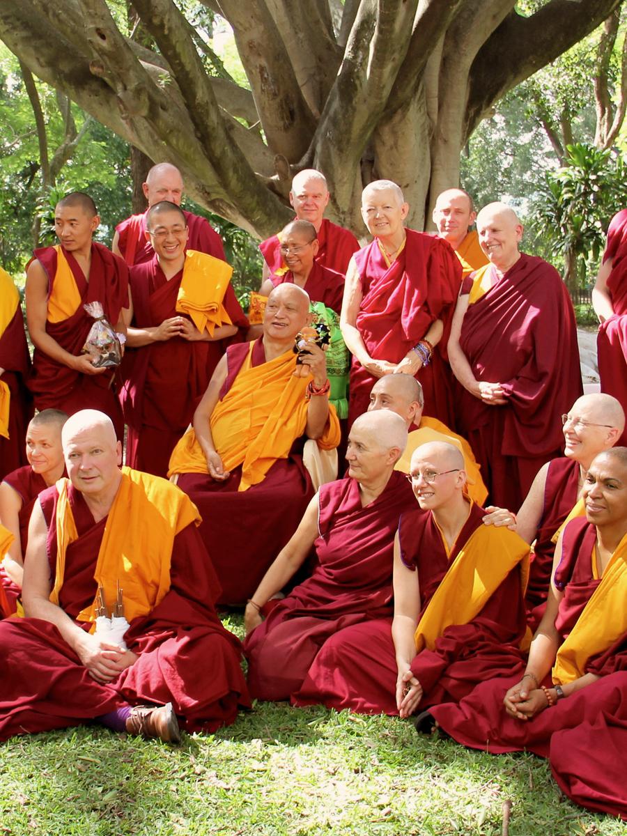 monastere-dorje-pamo-lavaur-france-moniales-lama-zopa-sangha-portrait